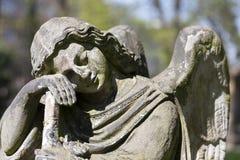 Estatua hist?rica en el cementerio viejo de Praga del misterio, Rep?blica Checa fotos de archivo