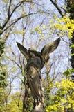Estatua hist?rica en el cementerio viejo de Praga del misterio, Rep?blica Checa fotografía de archivo libre de regalías