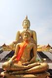 Estatua muy grande de Buddha y cielo limpio Foto de archivo