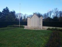 Estatua para los soldados caidos en la batalla de Den Haag The Hague durante la guerra mundial 2 imágenes de archivo libres de regalías