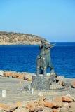 Estatua por el mar, Agios Nikolaos de Europa Fotos de archivo