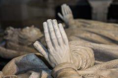 Estatua reclinada de rey Henri II, en la basílica de St Denis Imagen de archivo libre de regalías