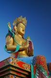 Estatua santa de Maitreya Buda en el valle de Nubra, la India Foto de archivo libre de regalías