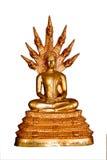 Estatua tailandesa de buddha del oro del estilo aislada en blanco imagenes de archivo