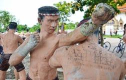Estatua tailandesa de Muay. Templo de Kung de la explosión, Samut Songkhram Tailandia Imágenes de archivo libres de regalías