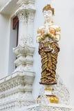 estatua tailandesa del ángel de la mujer blanca imagen de archivo libre de regalías