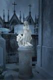 Estatua vieja de la alegoría a la noche y al silencio foto de archivo