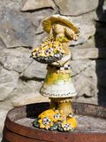 Estatua vieja en un jardín Fotografía de archivo