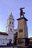 Estatua y basílica Quito, Ecuador Fotografía de archivo
