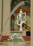Estatua y fuentes Foto de archivo