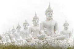 Estatuas blancas de Buda en Tailandia imagen de archivo libre de regalías