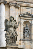 Estatuas cerca de Kloster Michelsberg (Michaelsberg) Fotografía de archivo