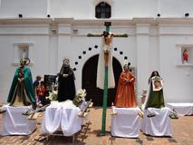 Estatuas ceremoniales de los santos para el desfile religioso Valle de Ángeles 8 de la celebración del verano fotografía de archivo