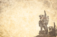Estatuas coas alas grunge del león del vintage Foto de archivo