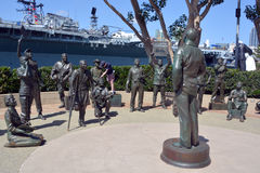 : Estatuas de bronce de un saludo nacional a Bob Hope y a los militares Imagen de archivo libre de regalías