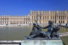 Estatuas de bronce en el jardín de Versalles. Francia Foto de archivo libre de regalías