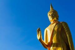 Estatuas de Buda en Wat Doi Kham imágenes de archivo libres de regalías