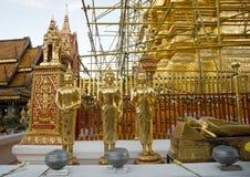 Estatuas de buddha del oro Fotos de archivo libres de regalías