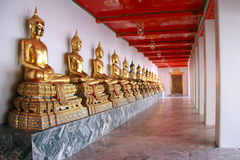 Estatuas de Buddha, Wat Po, Bangkok fotografía de archivo