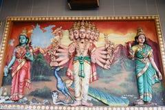Estatuas de Hanuman en templo hindú imagenes de archivo