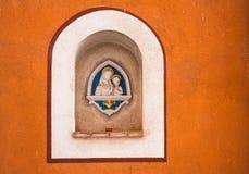 Estatuas de Jesús de la Virgen María y del bebé Imagenes de archivo