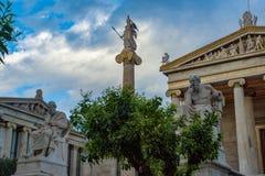 Estatuas de la academia de Atenas foto de archivo libre de regalías