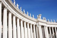 Estatuas de la basílica de St Peters foto de archivo libre de regalías