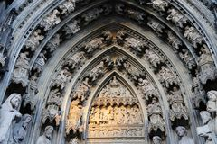 Estatuas de la catedral de Colonia imagen de archivo libre de regalías