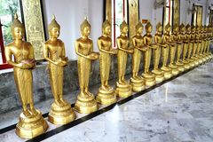 Estatuas de la donación de Buda Fotografía de archivo libre de regalías