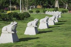 Estatuas de la rana Fotos de archivo