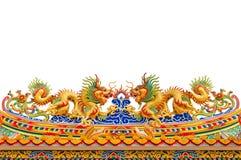 Estatuas de oro gemelas del dragón en estilo chino Imágenes de archivo libres de regalías