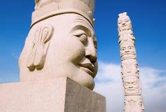 Estatuas de piedra en la ciudad Fotos de archivo
