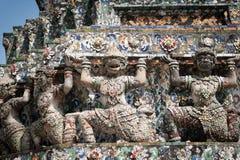 Estatuas de Wat Arun Imagenes de archivo