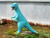 Estatuas del dinosaurio imagen de archivo libre de regalías