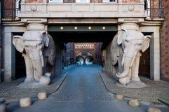 Estatuas del elefante en la fábrica de Carlsberg, Copehagen Foto de archivo