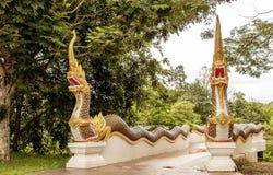Estatuas del Naga en la manera Foto de archivo
