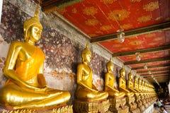 Estatuas del oro imagen de archivo