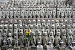 Estatuas del templo de Hase-dera fotografía de archivo