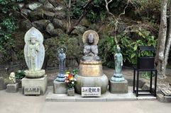 Estatuas del templo de Hase-dera fotos de archivo