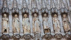 Estatuas en ayuntamiento Bruselas Foto de archivo