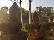 Estatuas en Camboya Caras de piedra imágenes de archivo libres de regalías