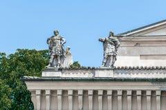 Estatuas en Crema Imagen de archivo libre de regalías