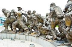 Estatuas en el museo del monumento de Guerra de Corea, Seul Fotos de archivo libres de regalías