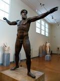 Estatuas en el museo griego Imágenes de archivo libres de regalías