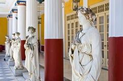 Estatuas en el palacio de Achillion en la isla de Corfú, Grecia Fotos de archivo libres de regalías