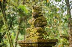 Estatuas en el templo en Bali, Indonesia de Tirta Empul fotografía de archivo libre de regalías