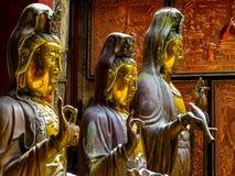 Estatuas en el templo budista de Gangaramaya en Colombo, Sri Lanka foto de archivo libre de regalías