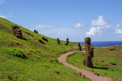 Estatuas en Isla de Pascua Rapa Nui Isla de pascua Threesome foto de archivo