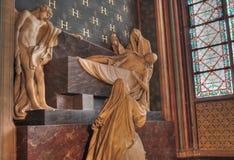 Estatuas en Notre Dame, París   imagen de archivo libre de regalías