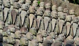 Estatuas japonesas del monje budista foto de archivo
